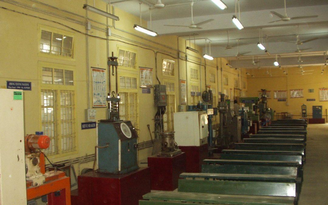 تعیین خصوصیات مصالح ساختمانی به روش های آزمایشگاهی