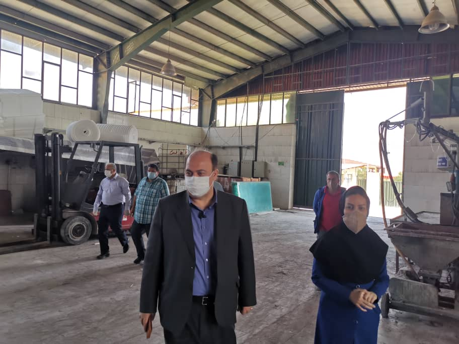 بازدید فرماندار شهرستان اشتهارد از فرایند تولید مجموعه هنزا