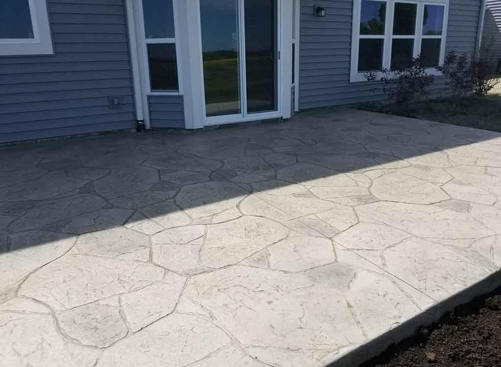 در اتمام کار سنگفرش بتنی / سنگ فرش بتنی چه باید کرد؟