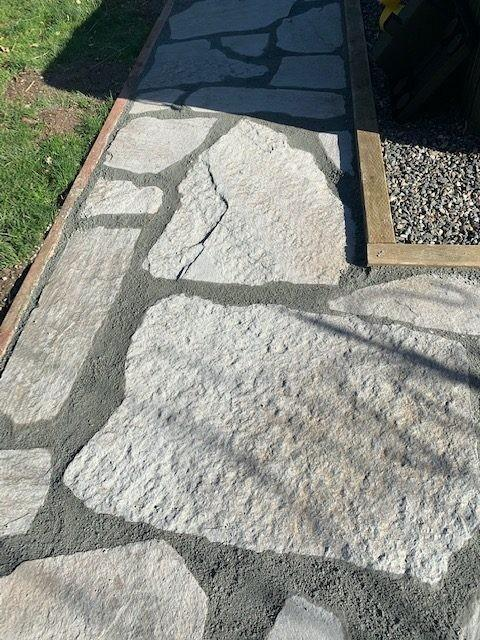درزهای بین پنل های سنگفرش بتنی / سنگ فرش بتنی