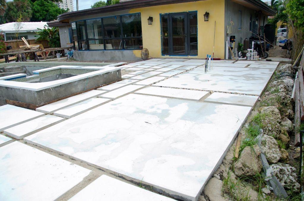 چگونه حیاط را با سنگفرش بتنی / سنگ فرش بتنی پوشش دهیم؟
