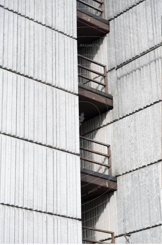 چگونه بتن اکسپوز را برای سازه های چند طبقه به کار بریم؟