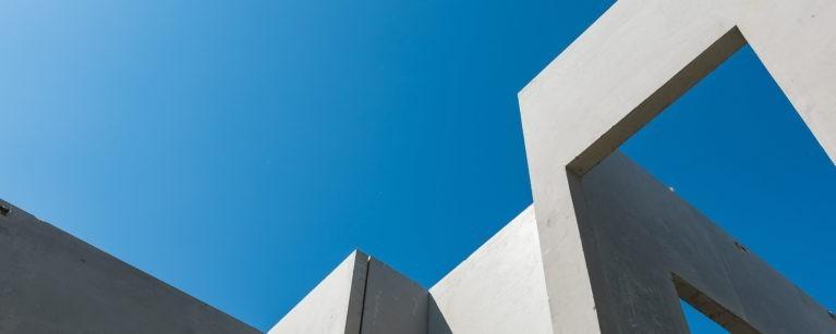 چگونه استفاده از جی اف آر سی / جی آر سی بار کمتری به ساختمان تحمیل می کند؟