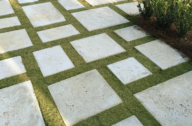 فاصله قطعات سنگفرش بتنی / سنگ فرش بتنی را چگونه پر کنیم؟