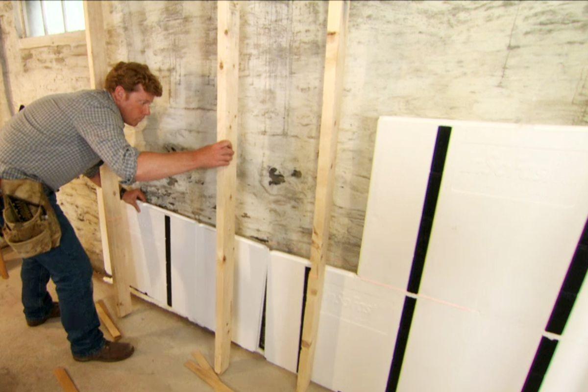 چگونه پنل بتن اکسپوز را با پیچ به دیوار نصب کنیم؟